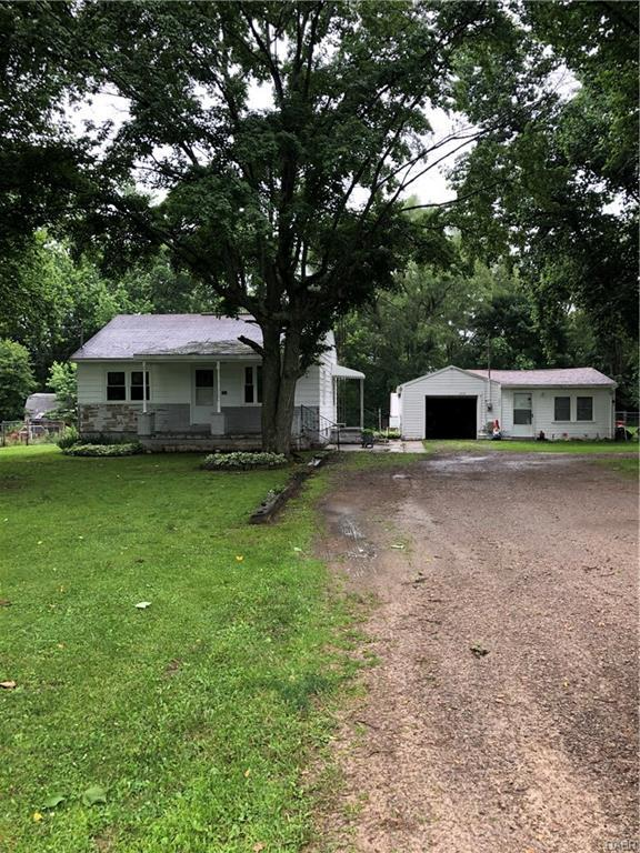 261 Andrews Lane, New Carlisle, OH 45344 (MLS #766785) :: The Gene Group