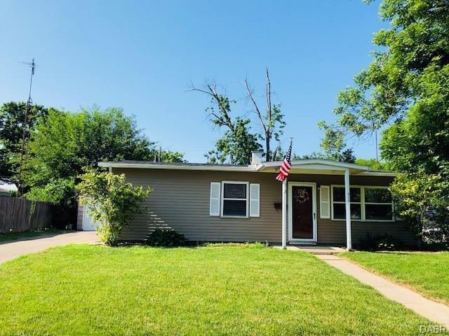 310 Galewood Drive, New Carlisle, OH 45344 (MLS #767617) :: Denise Swick and Company