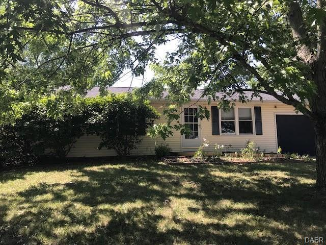 106 Lynnfield Circle, Englewood, OH 45322 (MLS #769495) :: The Gene Group