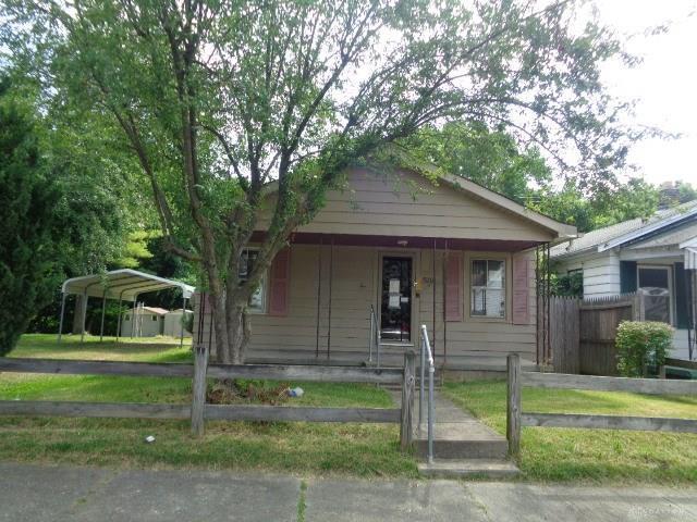520 Highland Place, Hamilton, OH 45013 (MLS #771685) :: Denise Swick and Company