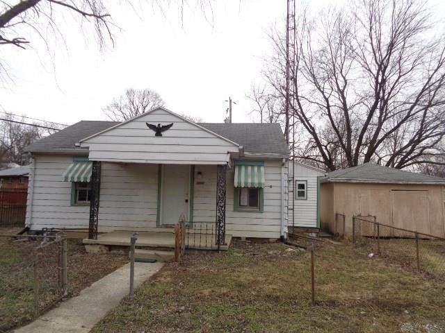 2609 Coronette Avenue, Dayton, OH 45414 (MLS #785605) :: The Gene Group