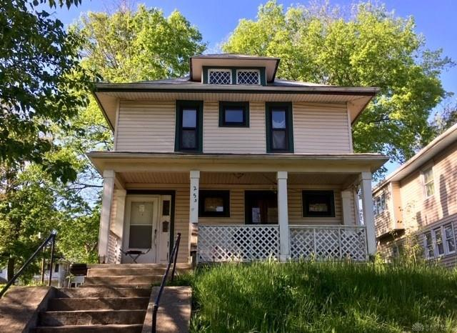 255 Lexington Avenue, Dayton, OH 45402 (MLS #791337) :: Denise Swick and Company