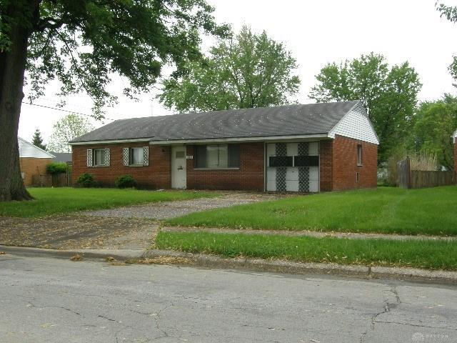 111 Charles Place, Englewood, OH 45322 (MLS #791692) :: Denise Swick and Company