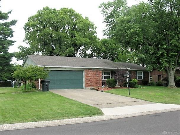 120 Bethel Road, Centerville, OH 45458 (MLS #796136) :: Denise Swick and Company