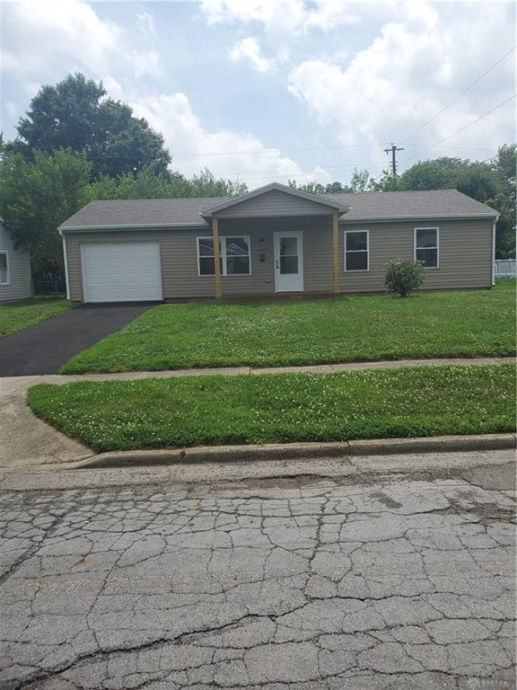 1427 Omard Drive, Xenia, OH 45385 (MLS #796505) :: Denise Swick and Company
