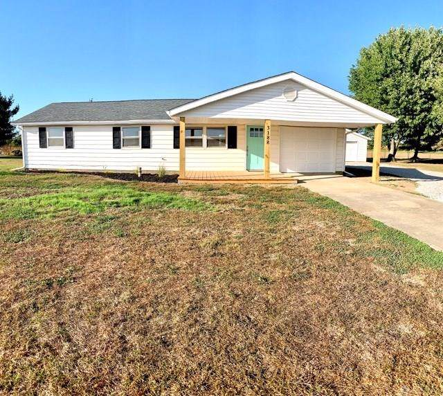 3188 Mcmecham Road, Greenville, OH 45331 (MLS #803635) :: Denise Swick and Company
