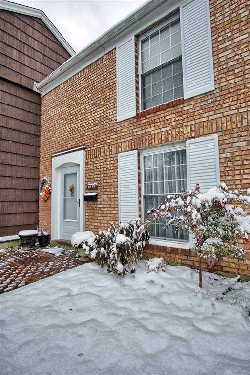 1213 Georgetown Court, Fairborn, OH 45324 (MLS #806072) :: Denise Swick and Company