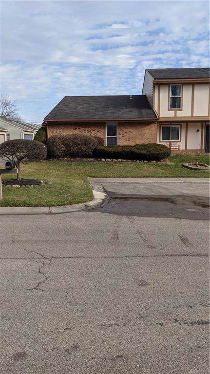 1662 A Longbow Lane A, West Carrollton, OH 45449 (MLS #808131) :: Denise Swick and Company