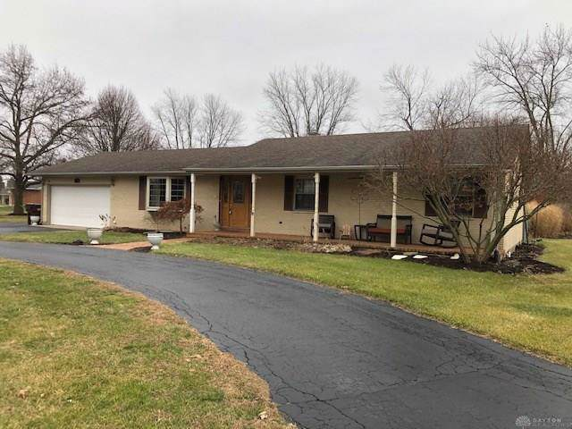 230 Coach Drive, Tipp City, OH 45371 (MLS #809452) :: Denise Swick and Company