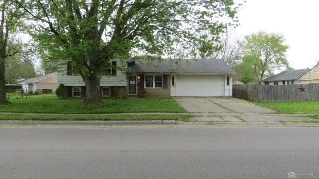 1255 Colorado Drive, Xenia, OH 45385 (MLS #815580) :: Candace Tarjanyi | Coldwell Banker Heritage