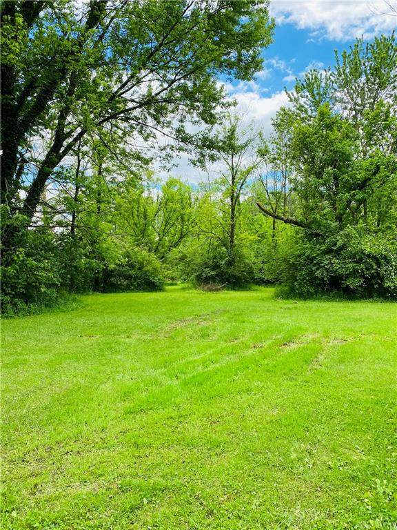 1248 W Spring Valley Pike, Washington TWP, OH 45458 (MLS #817187) :: Denise Swick and Company