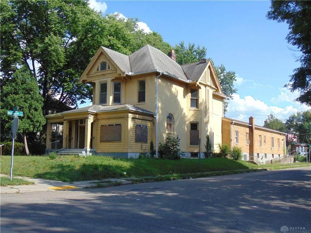 652 Superior Avenue - Photo 1