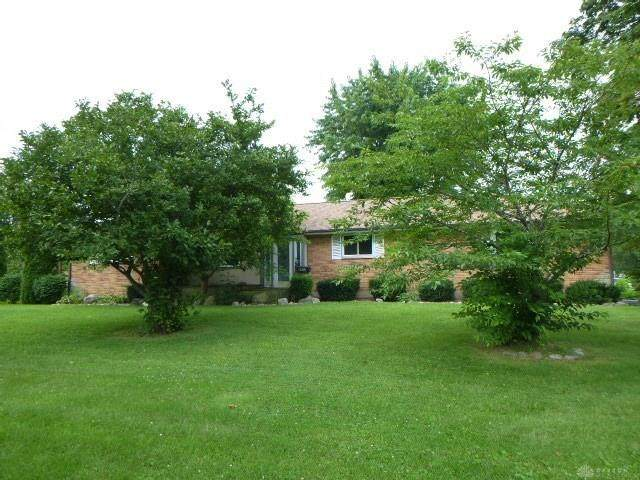 4901 Wilmington Pike, Kettering, OH 45440 (MLS #822842) :: The Gene Group