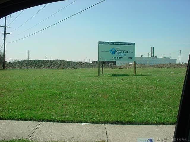 2300 Woodman, Kettering, OH 45420 (MLS #823537) :: Denise Swick and Company