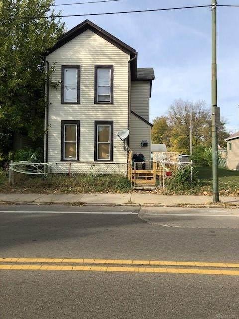 1705 5th Street - Photo 1