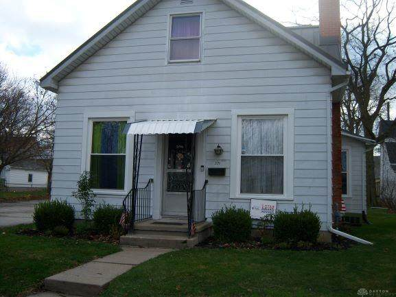 209 E Water Street, Greenville, OH 45331 (MLS #831901) :: Denise Swick and Company