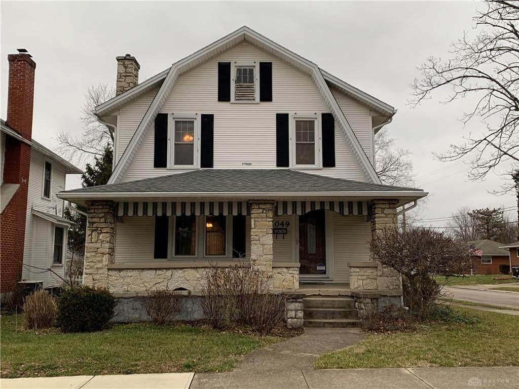 1049 Maple Avenue - Photo 1