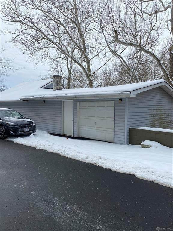 221 Aullwood Road, Dayton, OH 45414 (#833970) :: Century 21 Thacker & Associates, Inc.