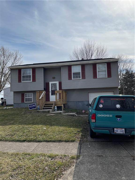 111 Lightner Lane, Englewood, OH 45322 (MLS #836124) :: The Swick Real Estate Group