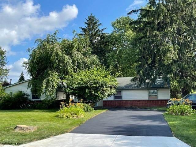4230 Walbridge Trail, Beavercreek, OH 45430 (MLS #844396) :: The Westheimer Group
