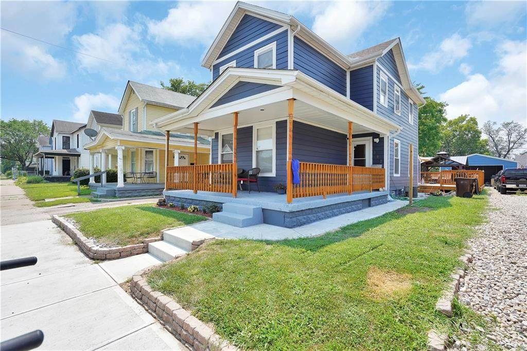 302 Young Street - Photo 1
