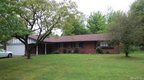 2651 Cross Country Road, Beavercreek, OH 45431 (MLS #845990) :: The Gene Group
