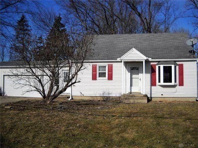 2754 E Leffel Lane, Springfield, OH 45505 (MLS #846037) :: The Gene Group