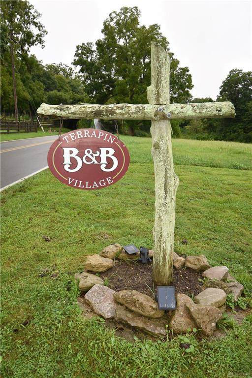 2537 Waynesville Road - Photo 1