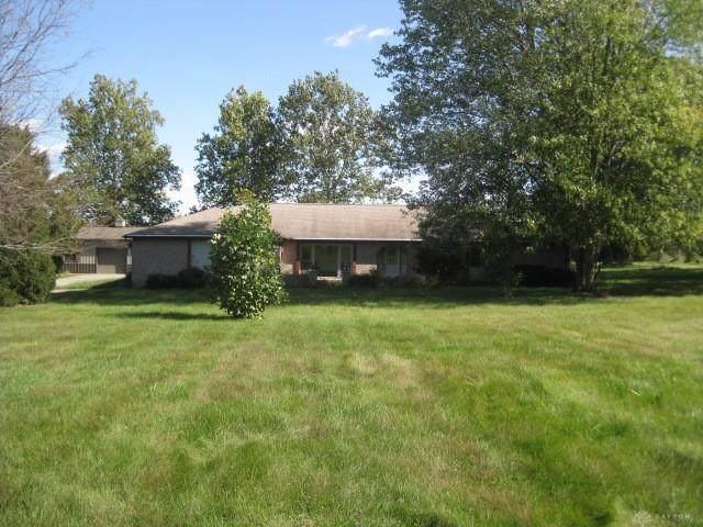 688 S Alpha Bellbrook Road, Sugarcreek Township, OH 45305 (MLS #851795) :: The Gene Group