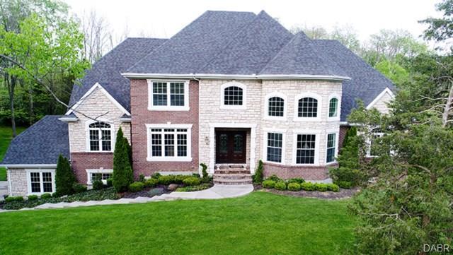 7660 Horizon Hill Drive, Springboro, OH 45066 (MLS #748265) :: Denise Swick and Company