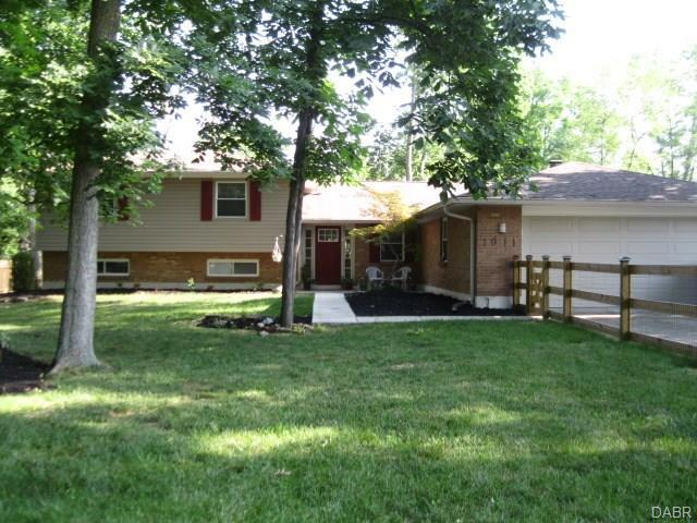 1011 Ripplecreek Court, Centerville, OH 45458 (MLS #767225) :: Denise Swick and Company