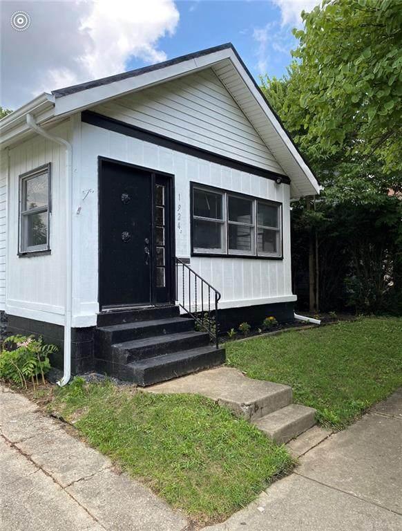 1924 W High Street, Springfield, OH 45506 (MLS #822797) :: Denise Swick and Company