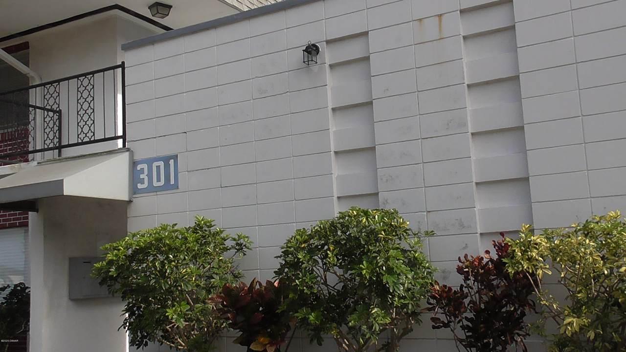 301 Ridge Boulevard - Photo 1