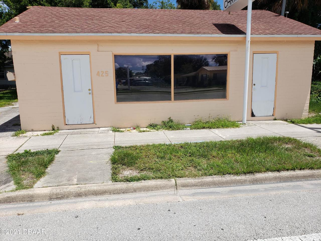 425 Ridgewood Avenue - Photo 1