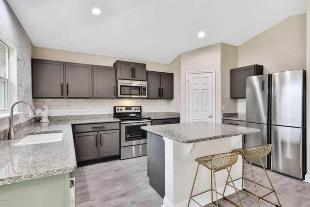 132 Prestwick Grande Drive, Daytona Beach, FL 32124 (MLS #1068239) :: Memory Hopkins Real Estate