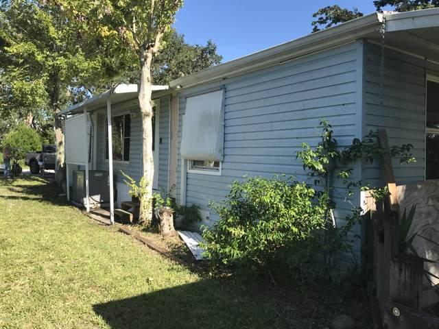 5234 Wood Street, Port Orange, FL 32127 (MLS #1071900) :: Memory Hopkins Real Estate