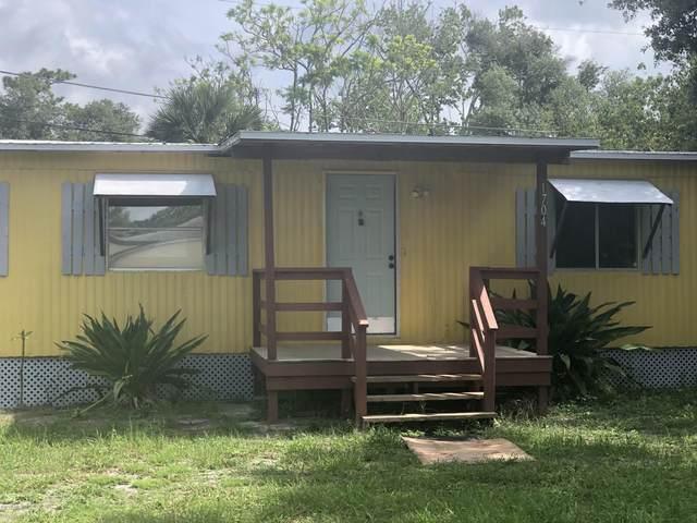 1704 Avenue B, Ormond Beach, FL 32174 (MLS #1072086) :: Memory Hopkins Real Estate