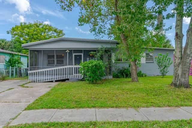 951 Berkshire Road, Daytona Beach, FL 32117 (MLS #1075206) :: Memory Hopkins Real Estate