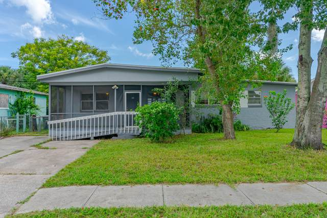 951 Berkshire Road, Daytona Beach, FL 32117 (MLS #1075206) :: Cook Group Luxury Real Estate