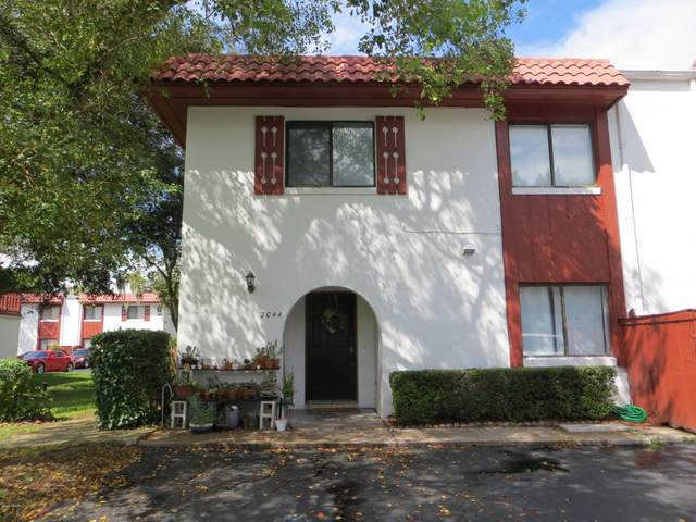 2044 Oak Meadow Circle, South Daytona, FL 32119 (MLS #1076547) :: Cook Group Luxury Real Estate