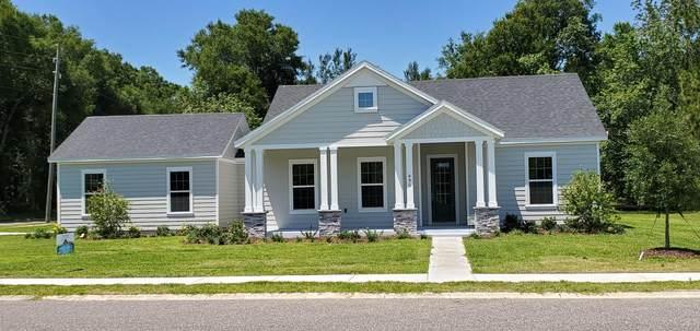 460 W Pennsylvania Avenue, Lake Helen, FL 32744 (MLS #1077793) :: Cook Group Luxury Real Estate