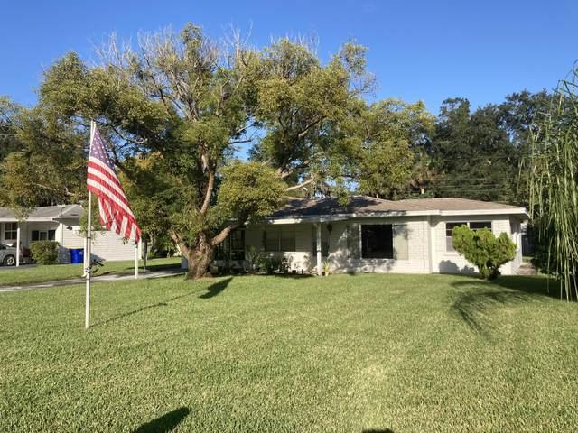 2019 Royal Palm Drive, Edgewater, FL 32141 (MLS #1078067) :: Florida Life Real Estate Group
