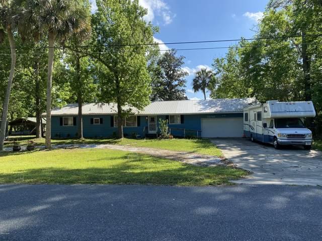 55746 Carl Street, Astor, FL 32102 (MLS #1069347) :: Florida Life Real Estate Group