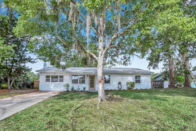 2824 Yule Tree Drive, Edgewater, FL 32141 (MLS #1071538) :: Florida Life Real Estate Group