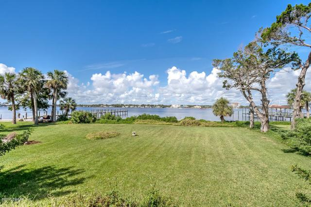 221 N Halifax Avenue, Daytona Beach, FL 32118 (MLS #1031629) :: Memory Hopkins Real Estate