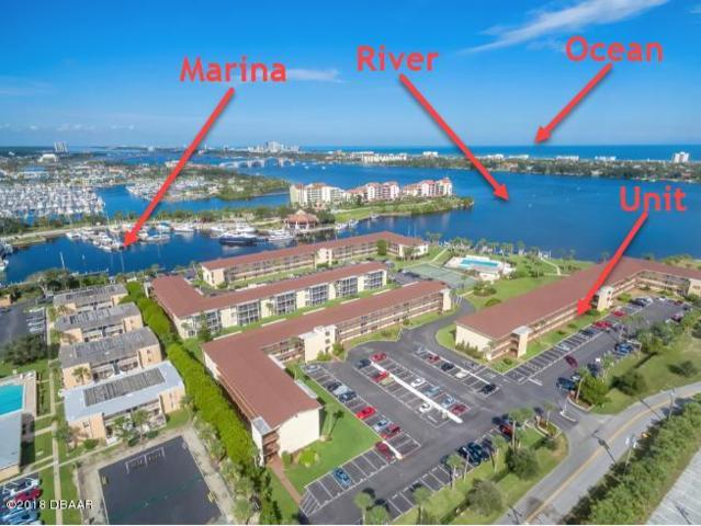 721 S Beach Street 111A, Daytona Beach, FL 32114 (MLS #1050241) :: Memory Hopkins Real Estate