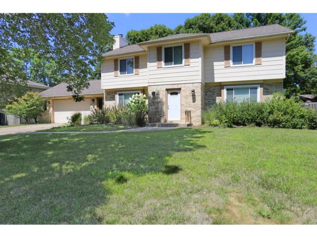 4801 Cody Drive, West Des Moines, IA 50265 (MLS #546443) :: Colin Panzi Real Estate Team