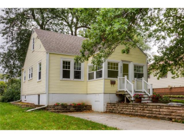 2625 36th Street, Des Moines, IA 50310 (MLS #548326) :: Better Homes and Gardens Real Estate Innovations