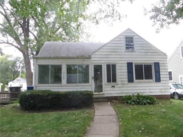 2500 44th Street, Des Moines, IA 50310 (MLS #549259) :: Colin Panzi Real Estate Team
