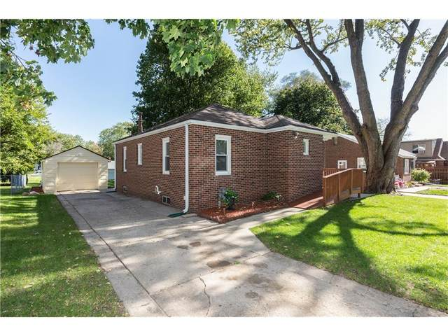 809 10th Street, West Des Moines, IA 50265 (MLS #549919) :: Colin Panzi Real Estate Team